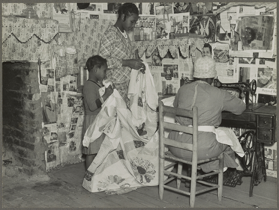 Sewing a quilt. Gees Bend, Alabama, 1937. Photo by Arthur Rothstein. Courtesy of Library of Congress.