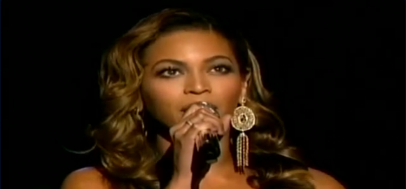 Beyoncé knowles performing 'halo'